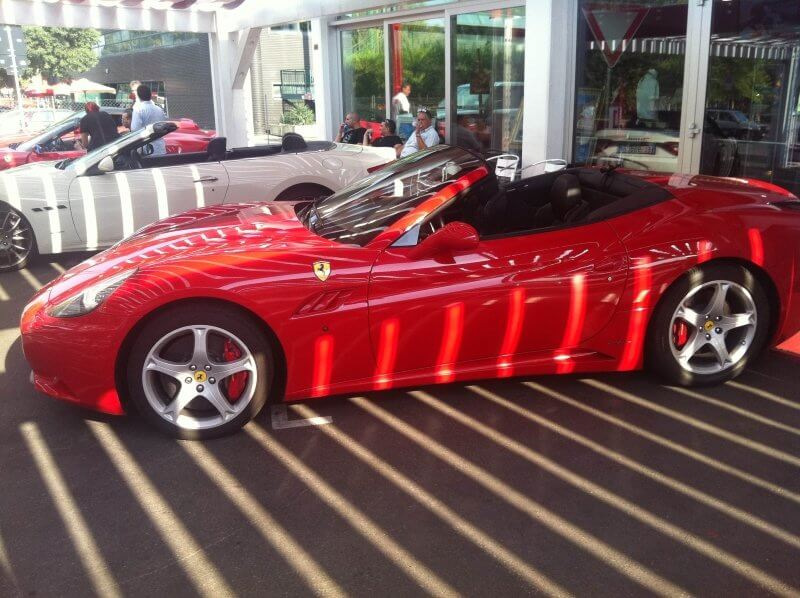 Прокат красной Ferrari в Италии
